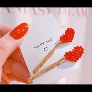 Red bubble heart hair pins